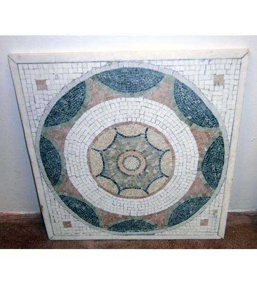 Mosaico in marmo